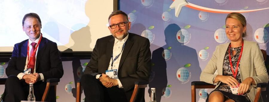 """Uczestnicy Forum Ekonomicznego 2020 w Karpaczu. Szczegóły forum pod linkiem """"Czytaj więcej"""""""