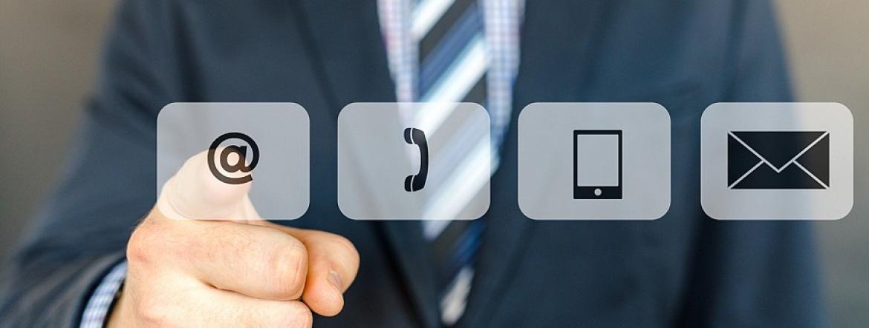 zdjęcie przedstawiające symbole umożliwiające połączenie drogą elektroniczną